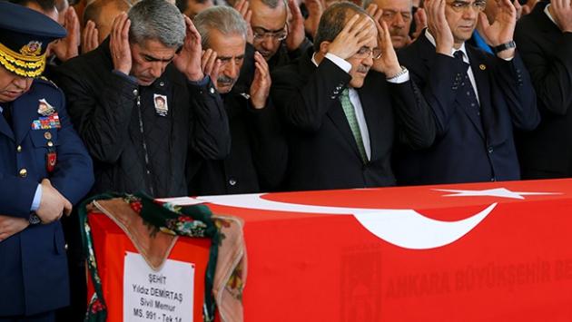 Ankara şehitlerini uğurladı